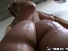 Oil, Ass, Solo, Big ass mom danceing, Gotporn.com